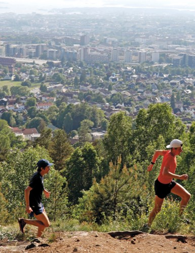 Johannes Rummelhoff og Hans Kristian Smedsrød løper på Grefsenkollen